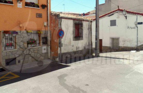 Casa de pueblo en venta en Miraflores de la Sierra